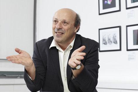 ProfessorDavid Eisner